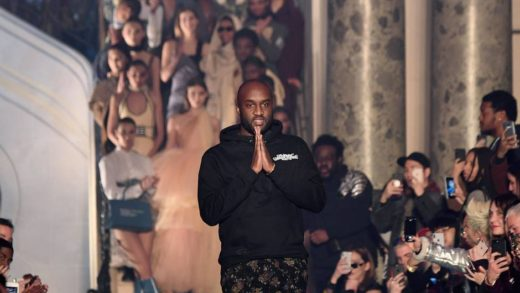 Us fashion designer Virgil Abloh for Off-White acknowledges the audience at the end of the Off-White's 2018/2019 fall/winter collection fashion show on March 1, 2018 in Paris. / AFP / ALAIN JOCARD